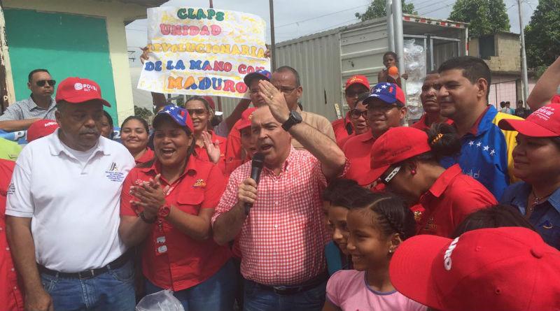 Ministro entrega bolsas CLAP en Bolivar