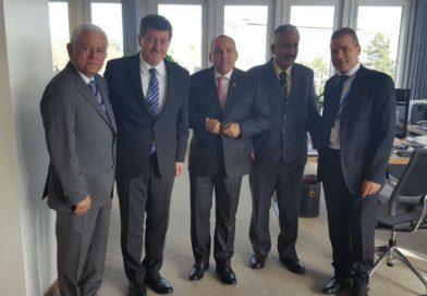 Delegación de Venezuela sostiene reunión con Director General de la  OIT