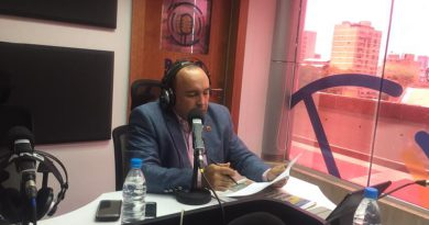 Ministro Torrealba invita a la clase obrera a participar en la Gran Marcha Antigolpe