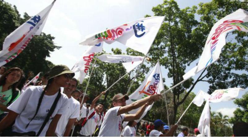 Juventud revolucionaria se moviliza al Palacio de Miraflores en respaldo a la Constituyente