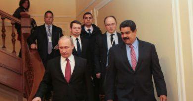 Rusia anuncia visita del presidente Maduro