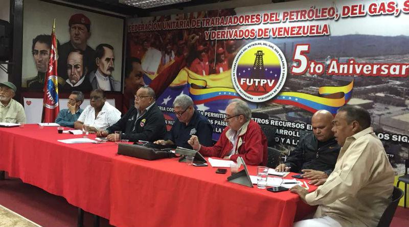 Ministro Piñate se reúne con la junta directiva de la CBST