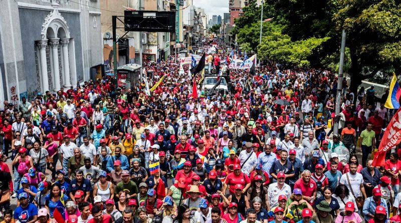Mpppst dice presente en la marcha contra el Imperialismo